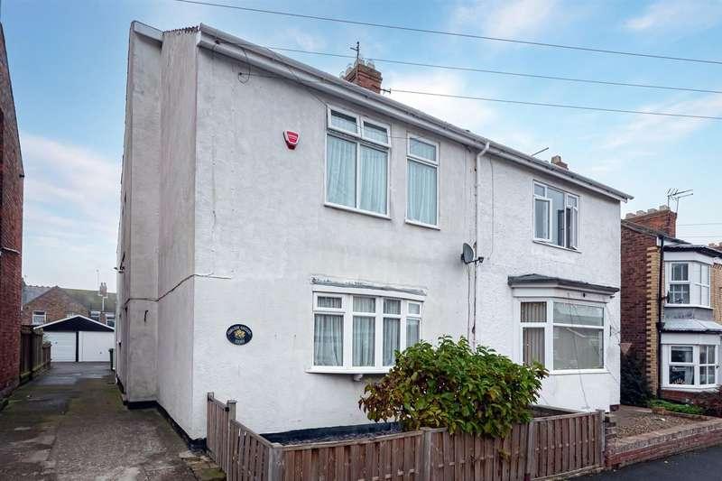 5 Bedrooms Semi Detached House for sale in Carlton Avenue, Hornsea