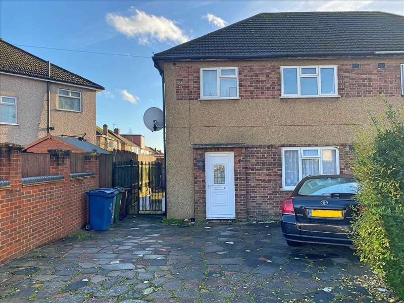 3 Bedrooms Semi Detached House for rent in Sandymount Avenue, Stanmore, HA7