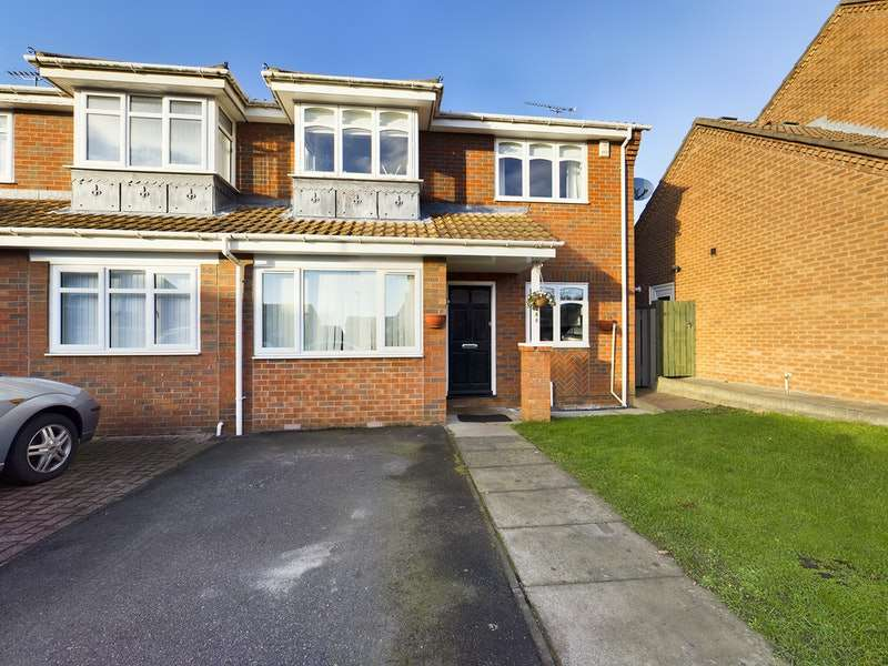3 Bedrooms Semi Detached House for sale in Bewick Park, Wallsend, Tyne and Wear, NE28
