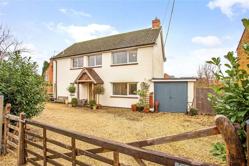 4 Bedrooms Detached House for sale in Chestnut Way, Longwick, Princes Risborough, Buckinghamshire, HP27