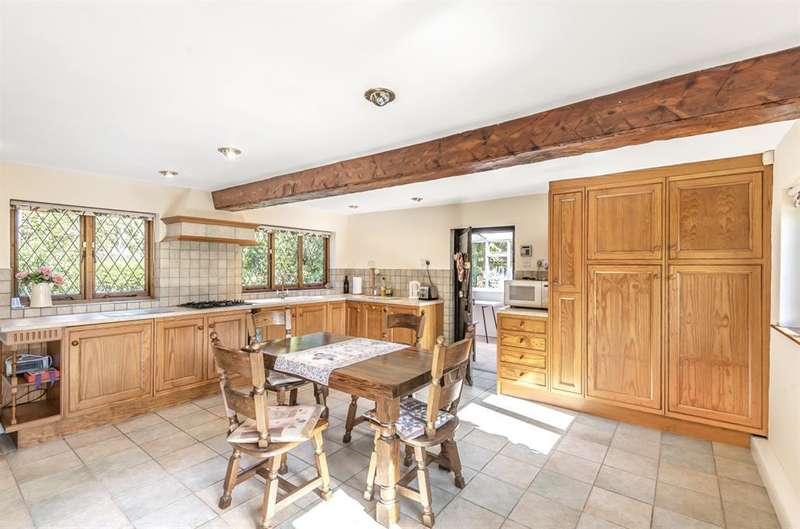 5 Bedrooms Detached House for sale in Mill Lane, Legbourne, Louth, LN11 8LT