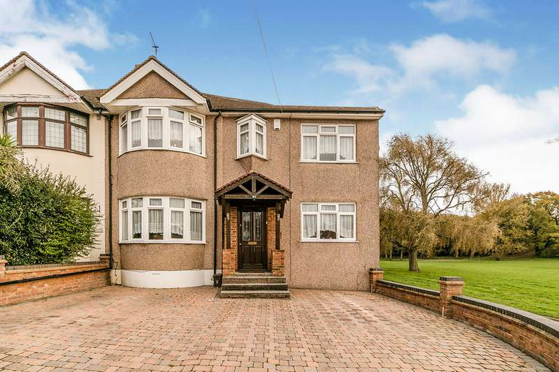 4 Bedrooms Semi Detached House for sale in Midhurst Hill, Bexleyheath, DA6