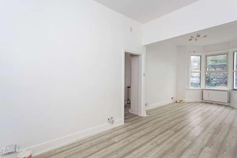 3 Bedrooms Property for rent in Harvard Road, London, SE13