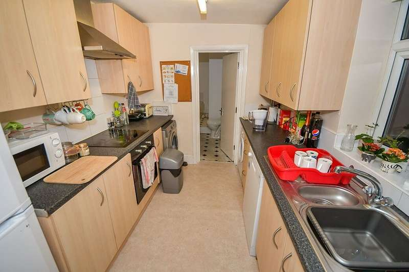 4 Bedrooms Terraced House for rent in Newland Street West, Lincoln, LN1