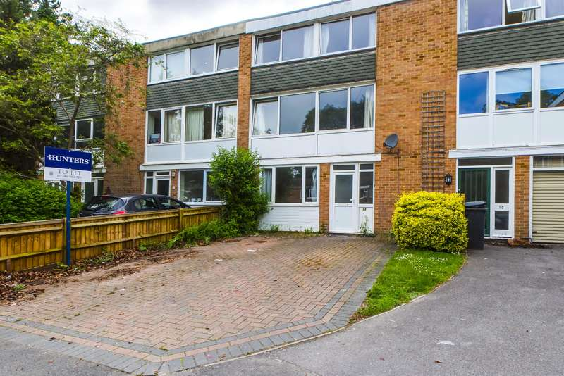 6 Bedrooms Town House for rent in Sparkford Close, Winchester, SO22 4NH