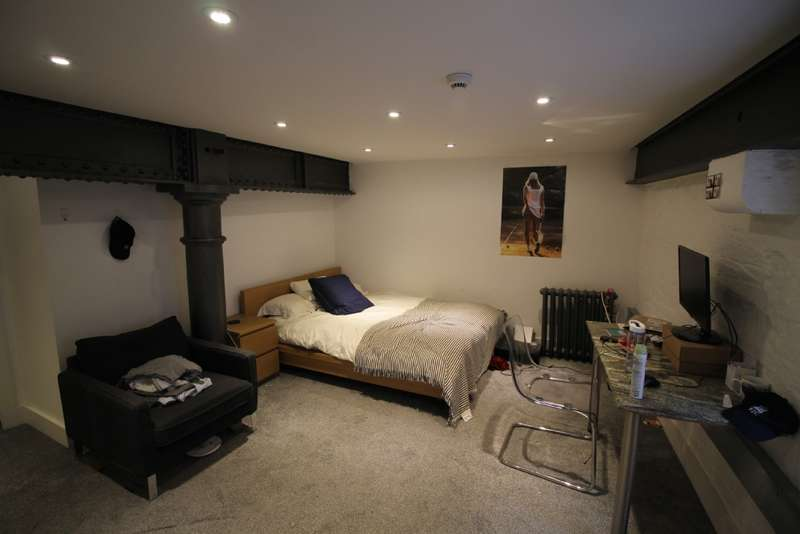 4 Bedrooms Flat for rent in Flat 10 St Anne's Well