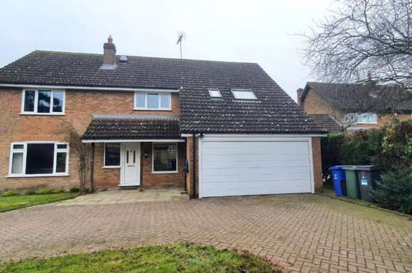 5 Bedrooms Detached House for rent in Park Lane, Paulespury, NN12