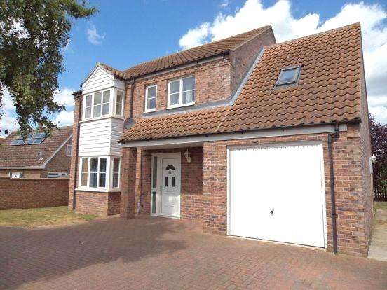 4 Bedrooms Detached House for rent in Tithe Avenue, Beck Row, Bury St Edmunds, Suffolk, IP28