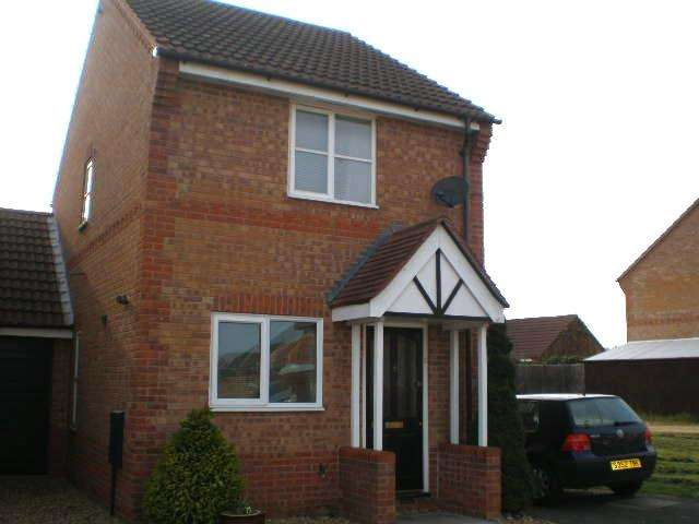 2 Bedrooms Detached House for rent in Meadenvale Parnwell Peterborough