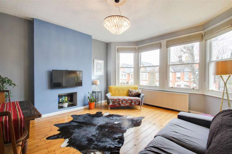 3 Bedrooms Flat for sale in Bargery Road, Catford, London