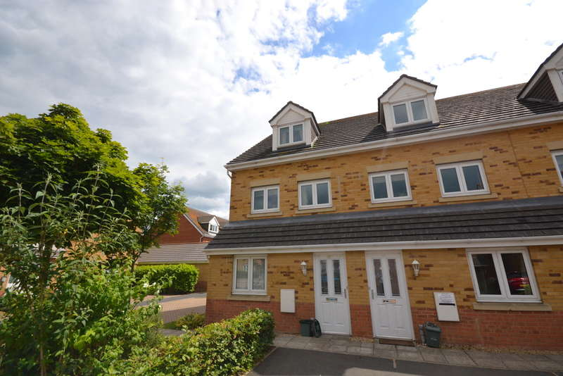 2 Bedrooms Maisonette Flat for rent in Amherst Place, Ryde