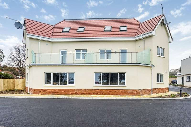 2 Bedrooms Flat for rent in Sea Front, Hayling Island, PO11