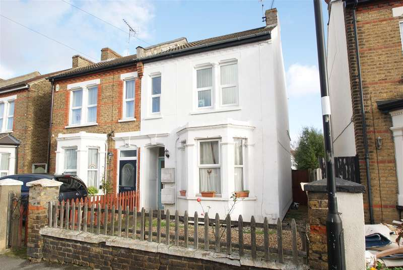2 Bedrooms Flat for sale in North Road, Westcliff-On-Sea