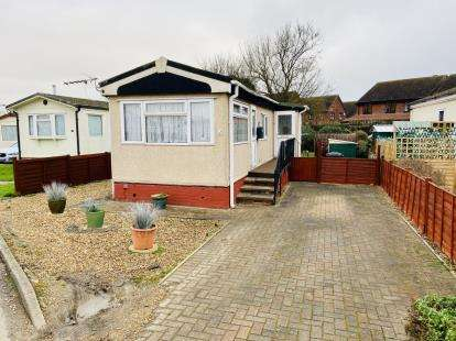 1 Bedroom Mobile Home for sale in Three Star Park, Bedford Road, Lower Stondon, Beds
