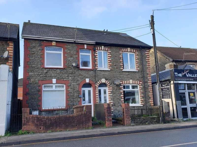 3 Bedrooms Semi Detached House for rent in Pontygwindy Road, CAERPHILLY