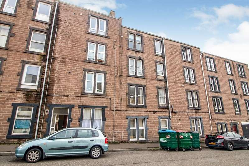 2 Bedrooms Flat for rent in Pitfour Street, Dundee, DD2