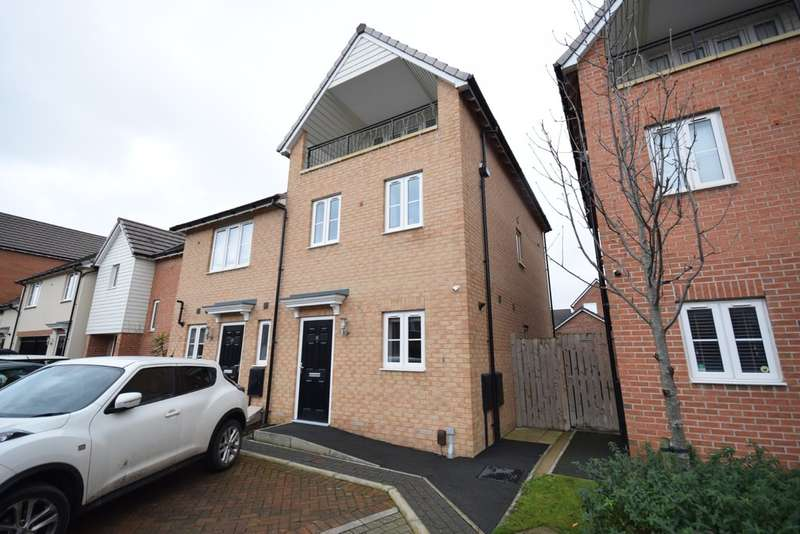 3 Bedrooms Semi Detached House for sale in Riverside Way, Castleford