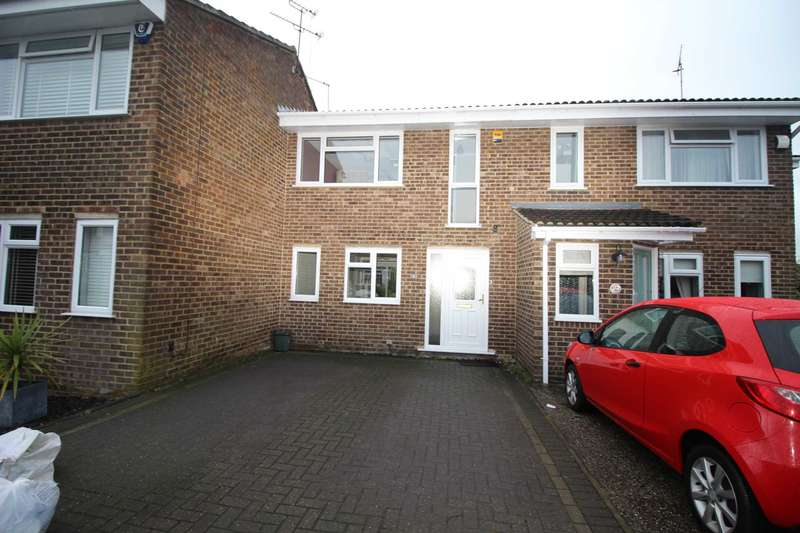3 Bedrooms Terraced House for rent in Bolingbroke Close, Great Leighs