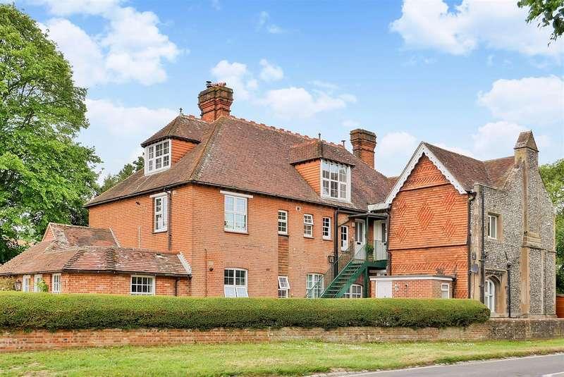 1 Bedroom Flat for rent in Walton Lane, Old Bosham