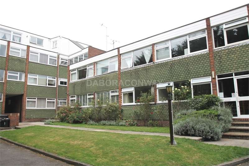 2 Bedrooms Flat for sale in Cavendish Avenue, South Woodford