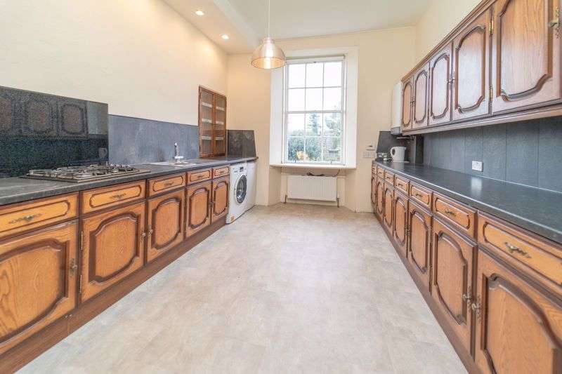 3 Bedrooms Property for rent in Madeira Street, Leith, Edinburgh EH6 4AJ