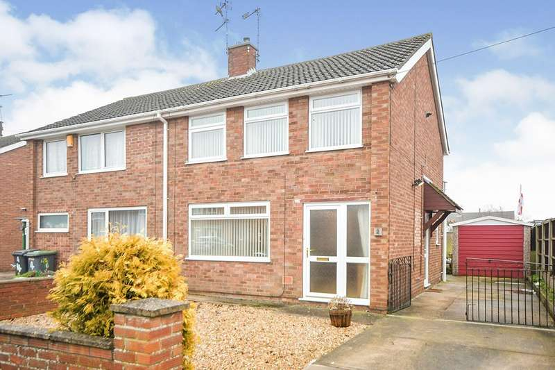 2 Bedrooms Semi Detached House for sale in Birch Close, North Hykeham, Lincoln, Lincolnshire, LN6