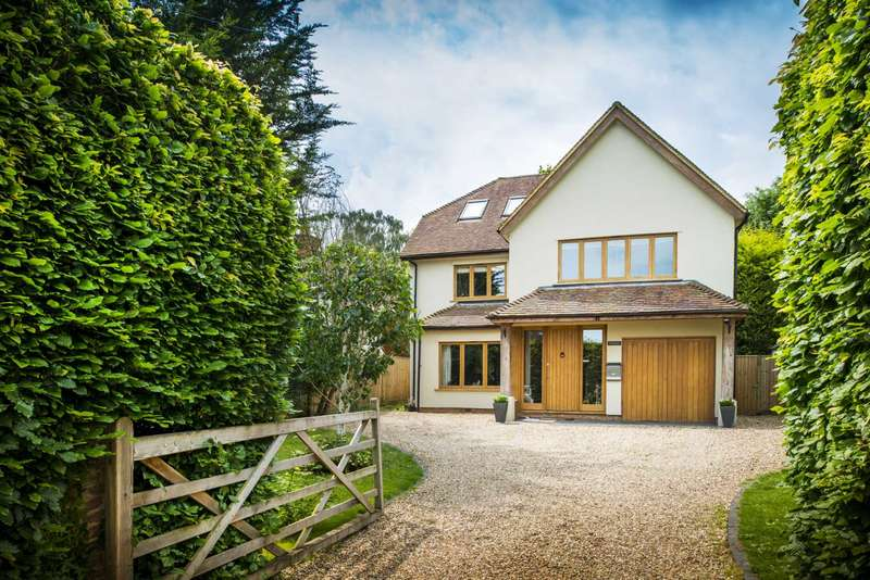 5 Bedrooms Detached House for sale in Northfield Avenue, Lower Shiplake