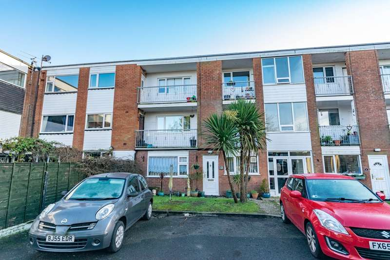 2 Bedrooms Apartment Flat for sale in Bridge Court , Saltcotes Road, Lytham, FY8