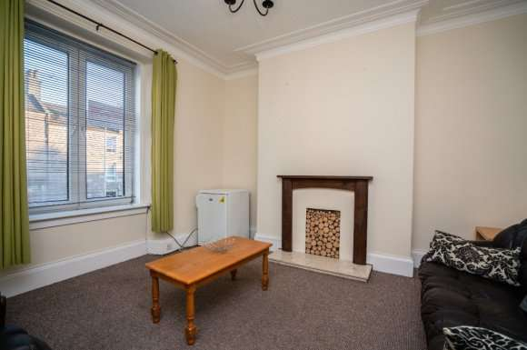 2 Bedrooms Flat for rent in Holburn Street, Holburn, Aberdeen, AB10