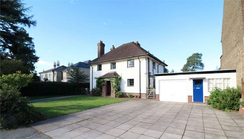 4 Bedrooms Detached House for sale in Bengeo Street, Hertford, SG14