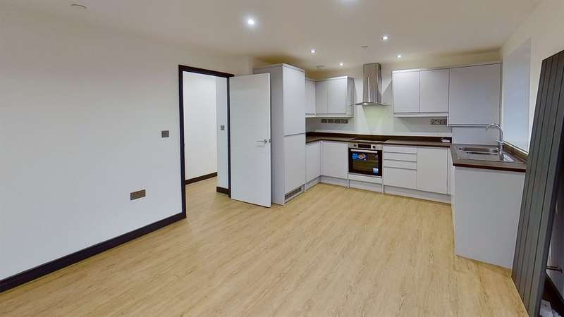 2 Bedrooms End Of Terrace House for sale in William Street, Gilfach, Bargoed