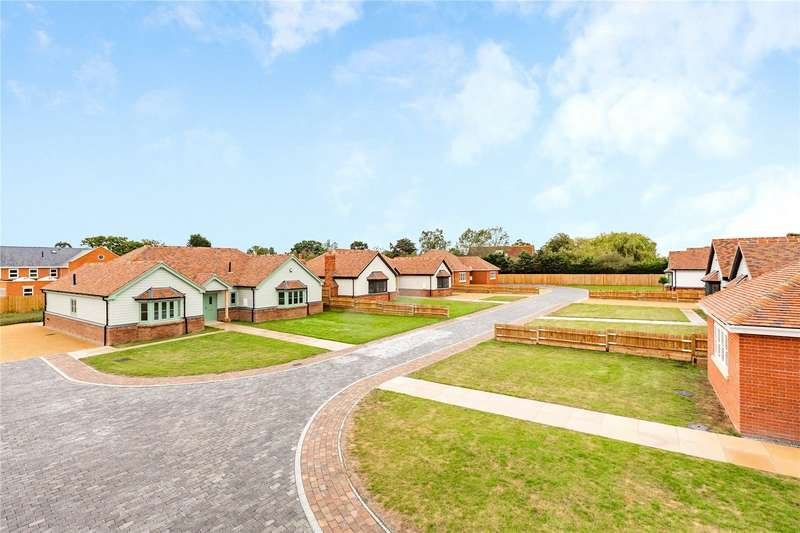 2 Bedrooms Bungalow for sale in Charwood Mews, Burnham-On-Crouch, CM0