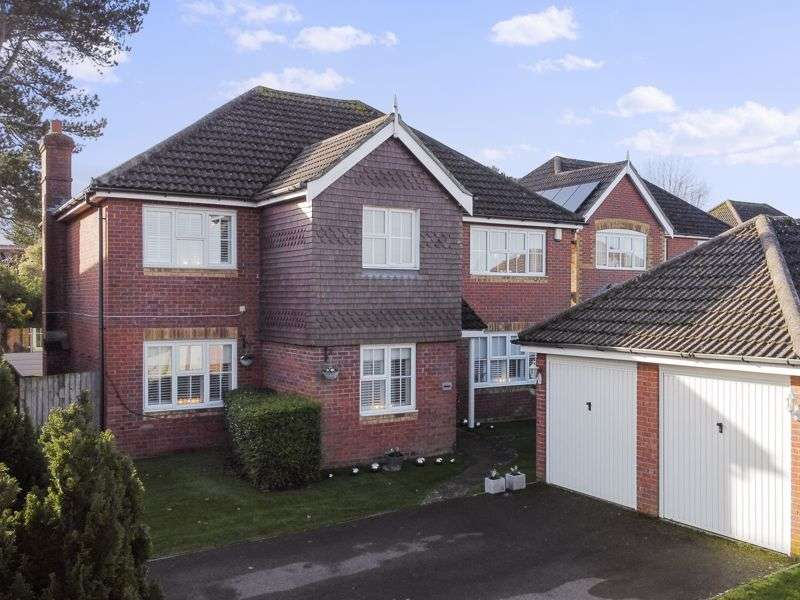 4 Bedrooms Property for sale in Lympne, Hythe, Kent