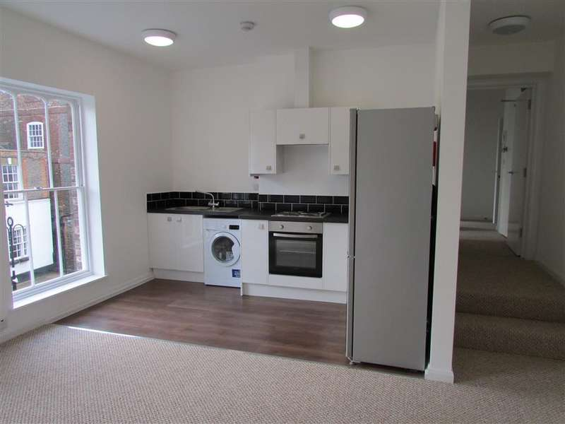 2 Bedrooms Flat for rent in Cleggs Court, Post Office Lane, Wantage, OX12