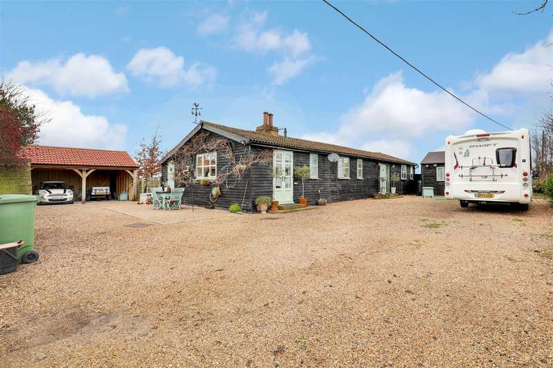 3 Bedrooms Detached House for sale in Keycol Hill, Newington, Sittingbourne