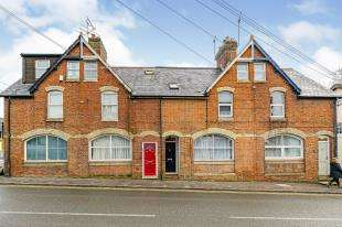 3 Bedrooms Terraced House for sale in High Street, Godstone, Surrey, .