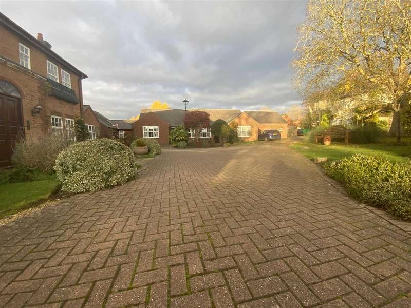 2 Bedrooms Bungalow for sale in Lodge Mews, Grange Lane, Thurnby