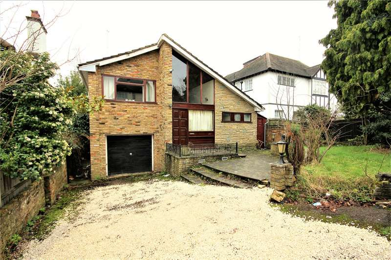 4 Bedrooms Detached House for sale in The Avenue, Loughton, IG10
