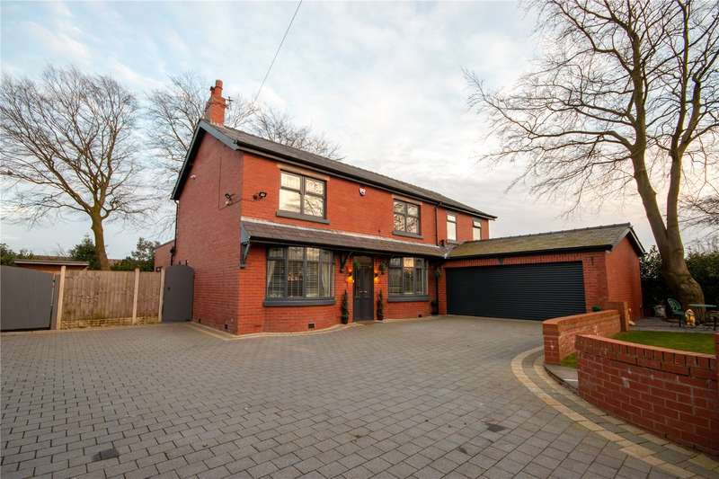 4 Bedrooms Detached House for sale in Wigan Road, Leyland, PR25