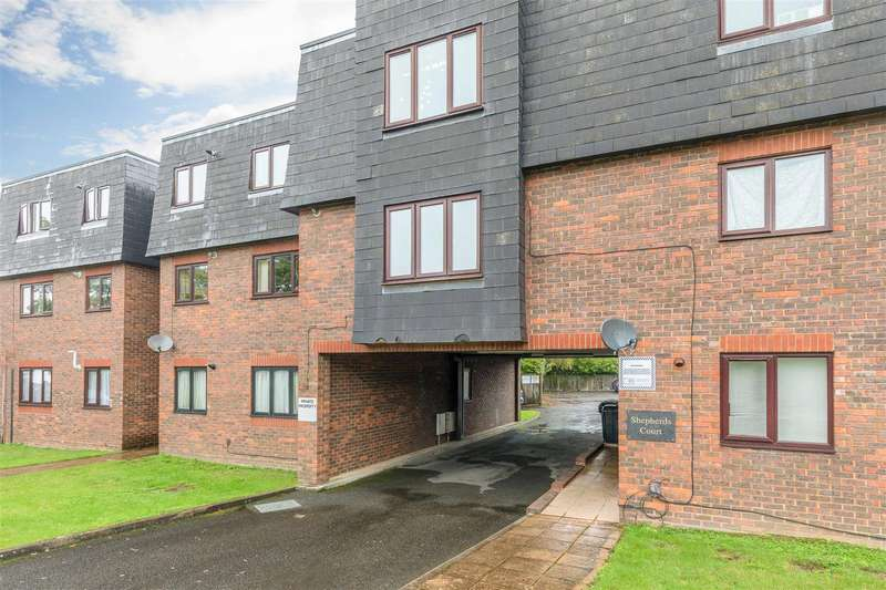 2 Bedrooms Apartment Flat for sale in Shepherds Court, Sheepcote Road, Windsor