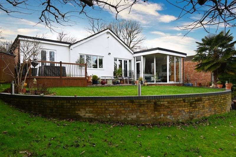 4 Bedrooms Property for sale in Tanglewood, Welwyn