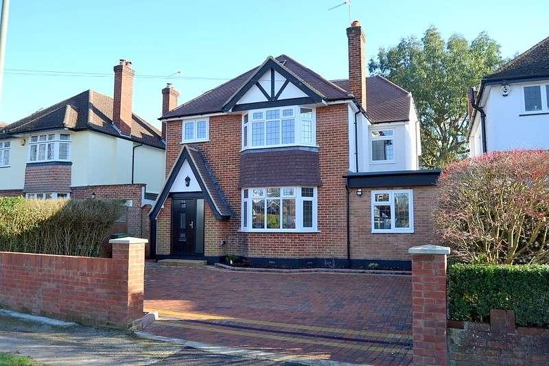 5 Bedrooms Detached House for sale in Vincent Road, Cobham, KT11