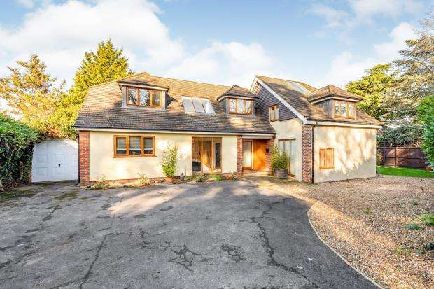 6 Bedrooms Detached House for sale in Fetcham, Surrey