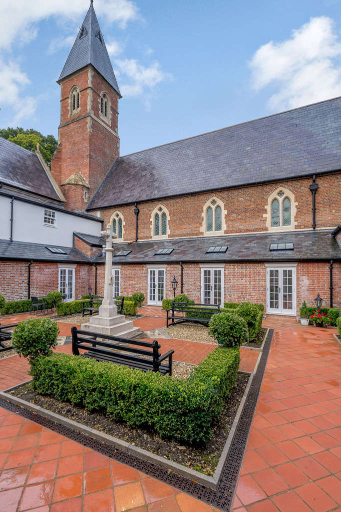 4 Bedrooms Mews House for sale in Stapehill Abbey, Wimborne Road West