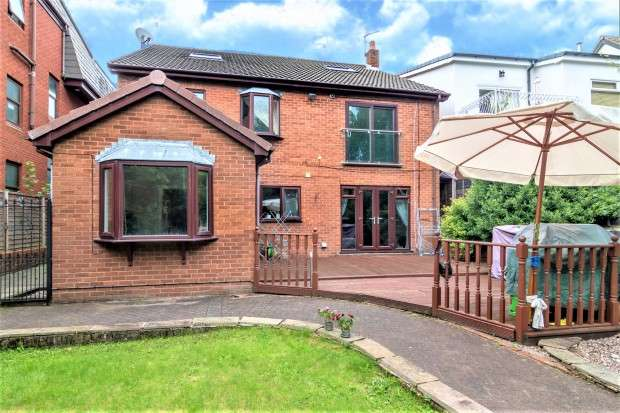 5 Bedrooms Detached House for sale in Chapman Road, Fulwood, Preston, PR2