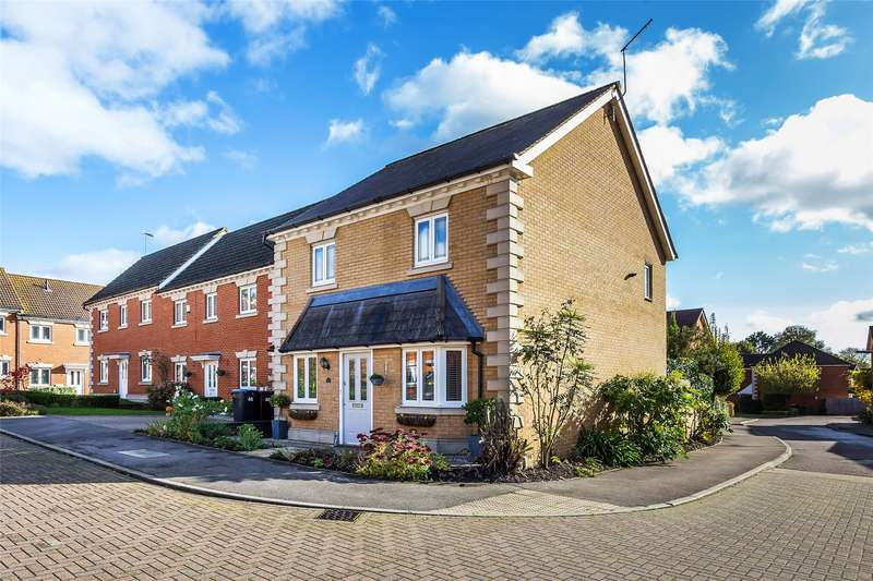 3 Bedrooms Detached House for sale in Juniper Close, Oxted, RH8