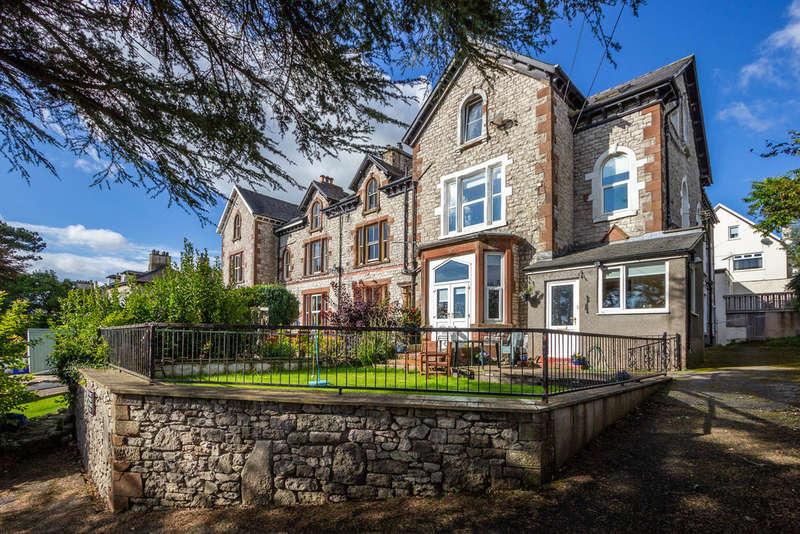 2 Bedrooms Flat for sale in 3 Avondale, 84 Kentsford Road, Grange-over-Sands
