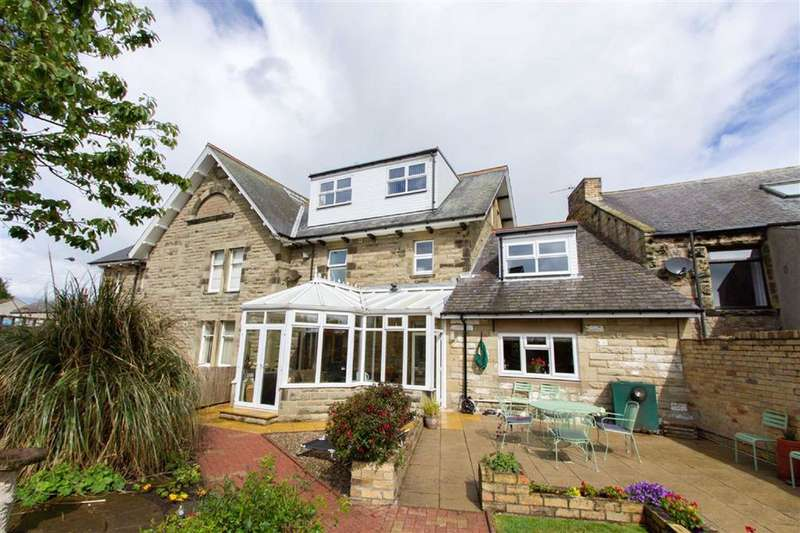 5 Bedrooms Semi Detached House for sale in Main Street, Seahouses, Northumberland, NE68