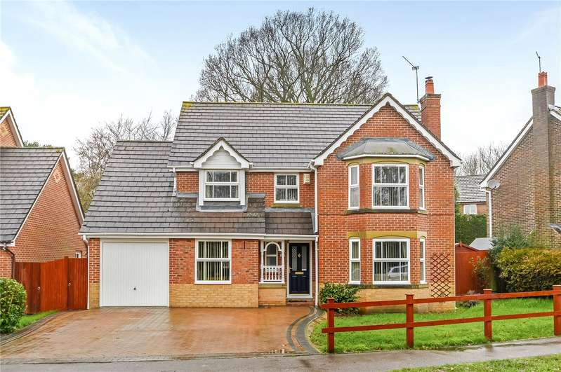 4 Bedrooms Detached House for sale in St. Vigor Way, Colden Common, Winchester, Hampshire, SO21