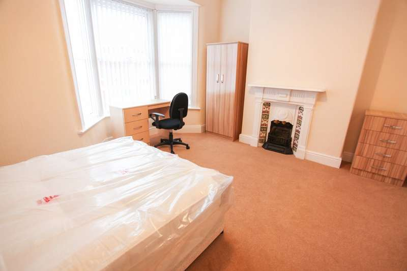3 Bedrooms Terraced House for rent in Blythswood Street, L17 7DG,
